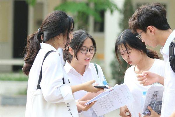Nhiều trường tuyển sinh riêng sẽ có bài thi, bài luận mẫu