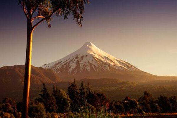 Top 10 ngọn núi lửa kỳ bí và đẹp nhất thế giới