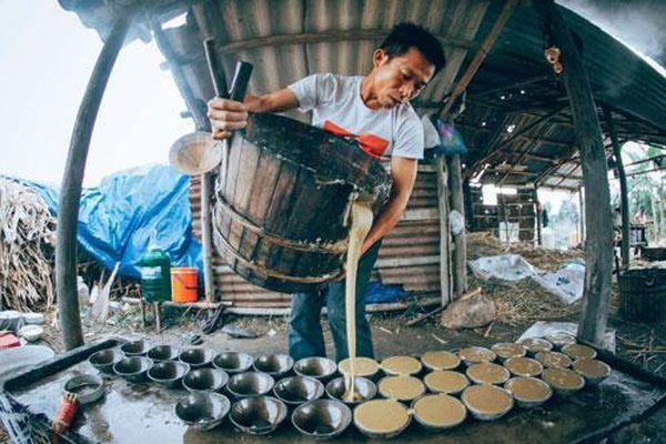 Về miền trung du xứ Quảng khám phá nghề quay mật nấu đường