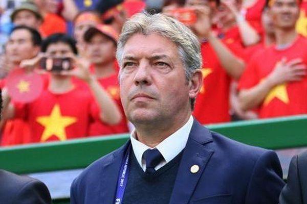 Giám đốc kỹ thuật Jurgen Gede sẽ chia tay bóng đá Việt Nam