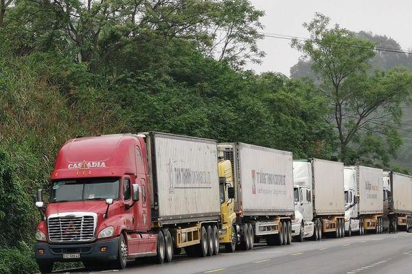 Lạng Sơn gắn biển số điện tử cho phương tiện tại cửa khẩu quốc tế Hữu Nghị