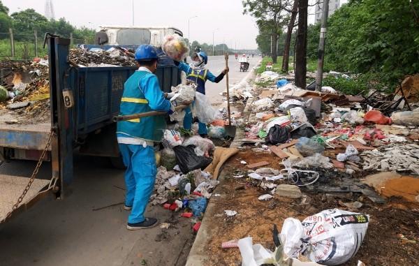 Thu gom hơn 4.200 tấn rác trong dịp nghỉ lễ 30/4 - 1/5