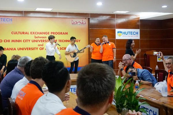 Ngành Kinh doanh quốc tế tại HUTECH: Sức hút từ môi trường đại học hội nhập