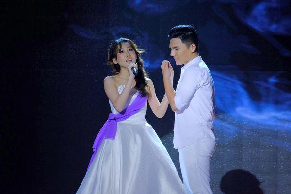 Ca sĩ Phi Nhung, Dương Ngọc Thái hết lời khen ngợi giọng hát của Hoa hậu Hoàng Kim