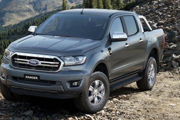 Ford Ranger 2019 giảm 100 triệu đồng tại đại lý