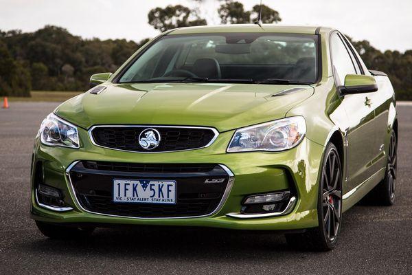 Nghị sĩ Australia trả giá gần 1 USD cho hãng xe Holden