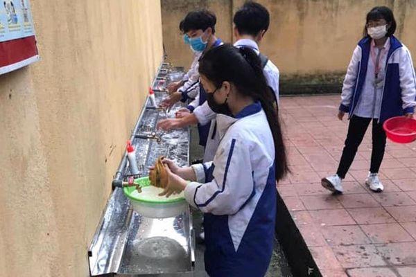 Thực hư chuyện trường học thu 90.000 đồng một học sinh để phòng chống dịch Covid-19