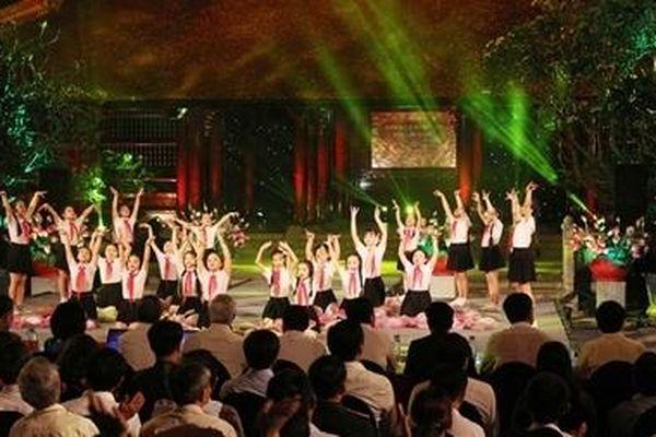 Thiêng liêng và xúc động cầu truyền hình 'Hồ Chí Minh – Sáng ngời ý chí Việt Nam'