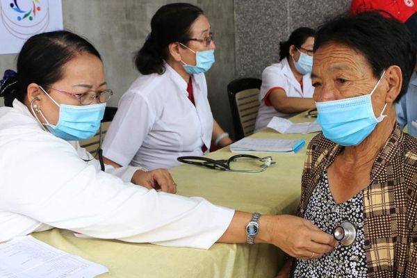 Người dân nghèo Kiên Giang ấm áp với phiên chợ 0 đồng