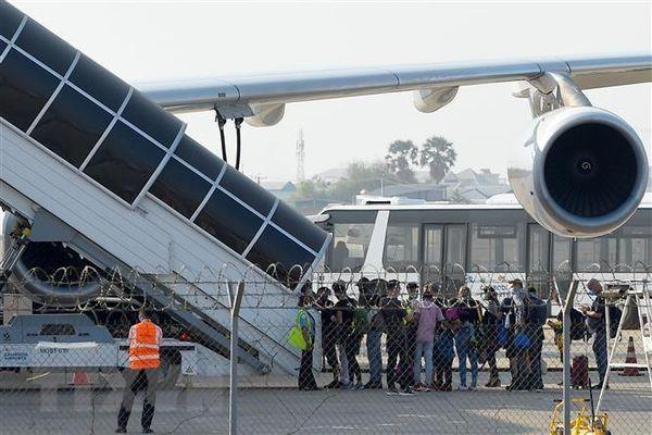Campuchia cách ly bắt buộc du khách nhập cảnh qua đường hàng không