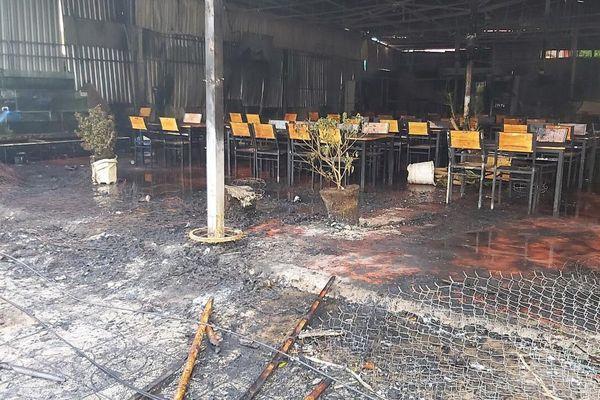 Phú Quốc: Cháy nhà hàng hải sản lúc 3 giờ sáng