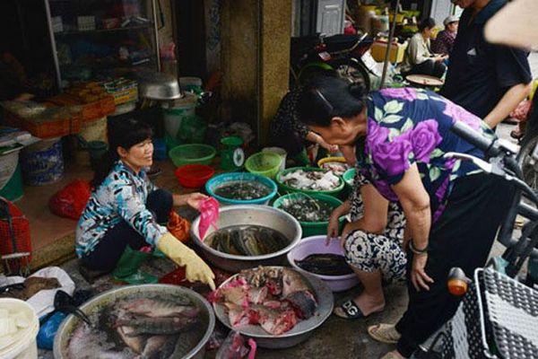 Nỗi lo an toàn thực phẩm ở chợ nông thôn