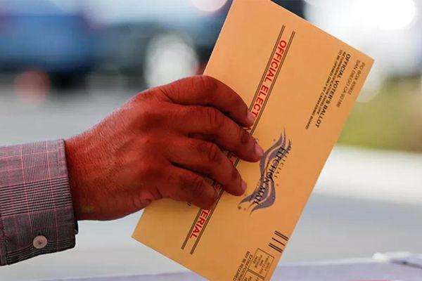 Trump: Bỏ phiếu qua thư sẽ biến bầu cử Tổng thống thành 'trò đùa'
