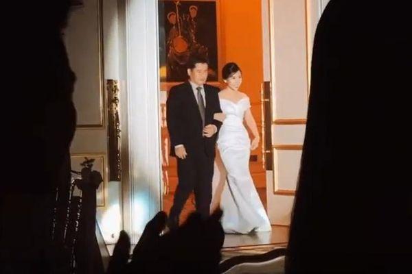 Lộ hình ảnh hiếm hoi trong tiệc đính hôn của Công Phượng và Viên Minh