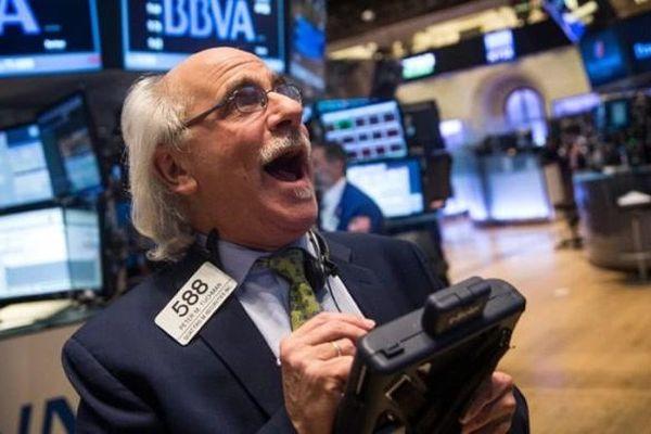 Nối dài chuỗi ngày thăng hoa, Dow Jones vượt mốc 26.000 điểm