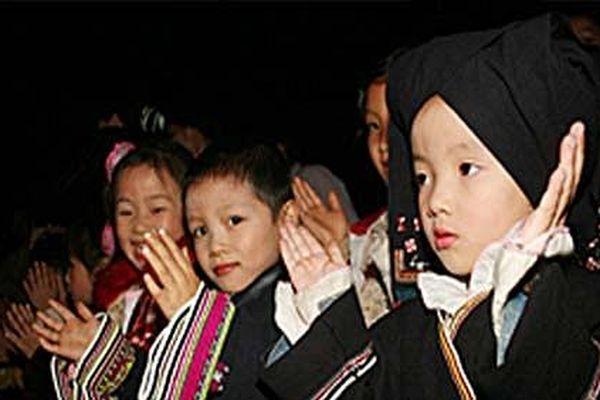 Độc đáo phong tục đầy tháng của người Tày ở Lục Yên