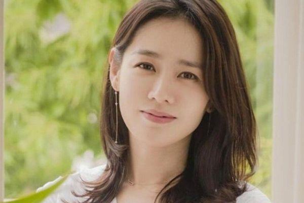 100 gương mặt đẹp nhất Thế Giới: Hoàng Thùy góp mặt, 'chị đẹp' Son Ye Jin gây sốc, cư dân mạng: 'Thời của phụ nữ Á Đông đã tới'