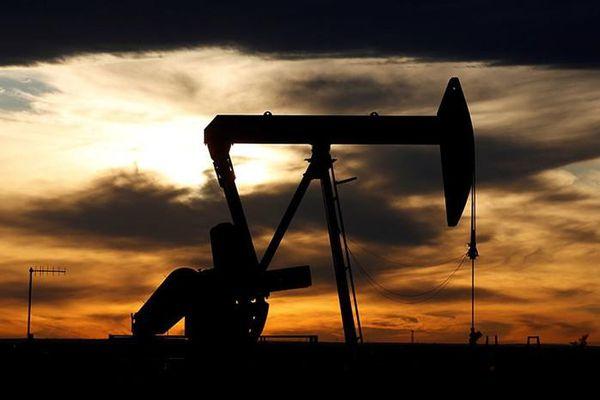 EIA: Sản lượng dầu thô của Mỹ giảm mạnh hơn dự kiến