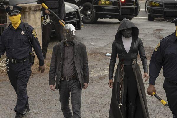 Series phim 'Watchmen' - viễn cảnh không xa của nước Mỹ