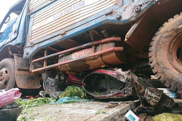 Từ vụ tai nạn thảm khốc ở Đắk Nông: Buôn bán lấn chiếm lòng lề đường bất chấp hiểm nguy