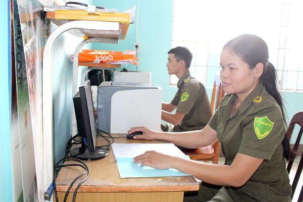 Công an viên nhiệt tình công tác thiện nguyện