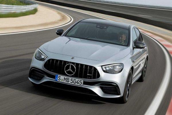 Ngắm siêu xe Mercedes-AMG E63 S 2021 khoảng 2,5 tỷ đồng?