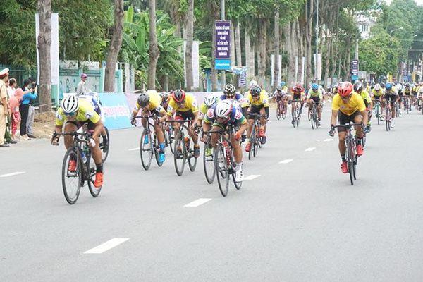 Các tay đua Sài Gòn Velo thắng tuyệt đối chặng 2 Giải xe đạp Truyền hình Bình Dương mở rộng lần 7
