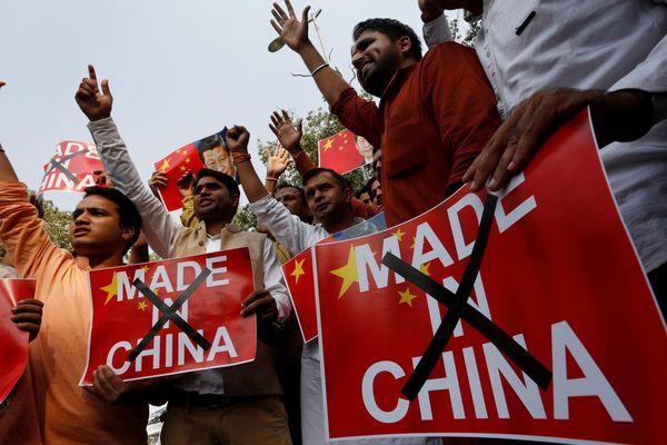 Lý do người Ấn Độ không thể tẩy chay công nghệ Trung Quốc