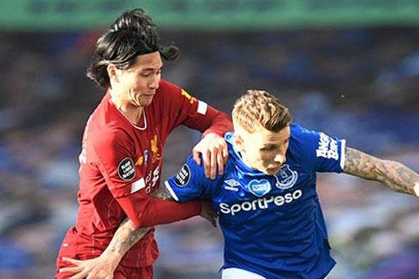 Carragher mượn chuyện Minamino để 'chọc' Liverpool vụ Werner