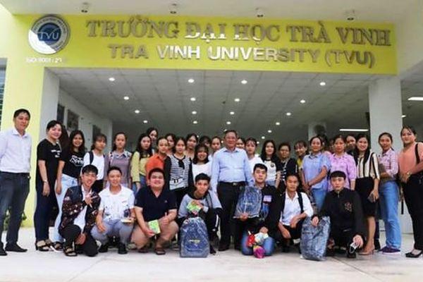 Đại học Trà Vinh đón các học sinh THPT trải nghiệm học tập