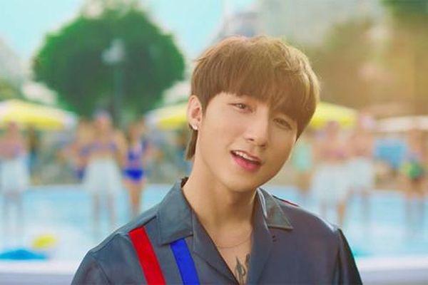 Sơn Tùng tiết lộ thói quen đón MV mới lên sóng