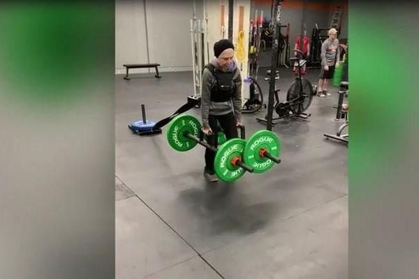 Cụ bà siêu khỏe hăng say tập gym 6 lần một tuần