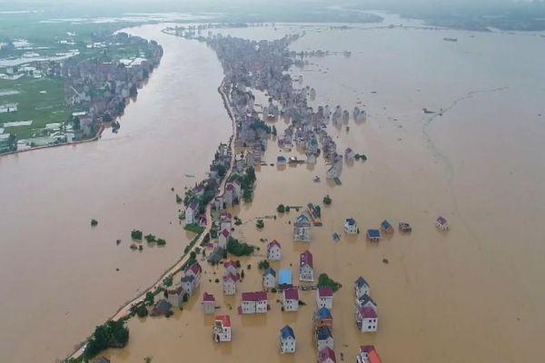 Mưa lũ tàn phá nhiều khu vực ở Trung Quốc, gần 38 triệu người bị ảnh hưởng