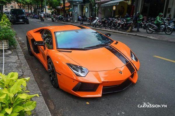 Lamborghini Aventador LP700-4 hơn 20 tỷ khoác áo cam nổi bật