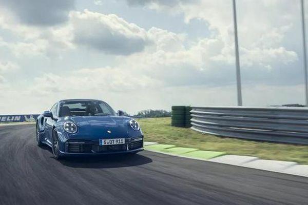 Ra mắt Porsche 911 Turbo 2021, sức mạnh không hề thua kém các siêu xe triệu đô
