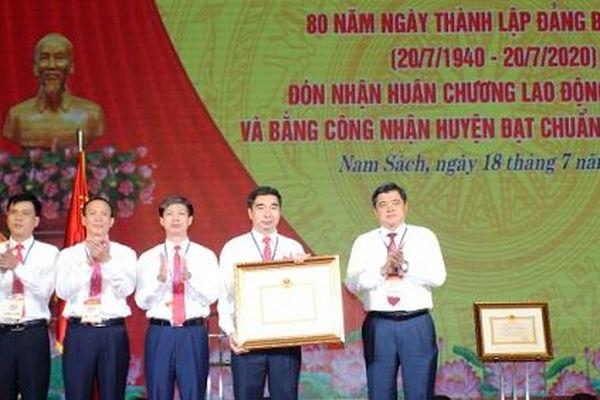 Huyện Nam Sách đón bằng công nhận đạt chuẩn nông thôn mới