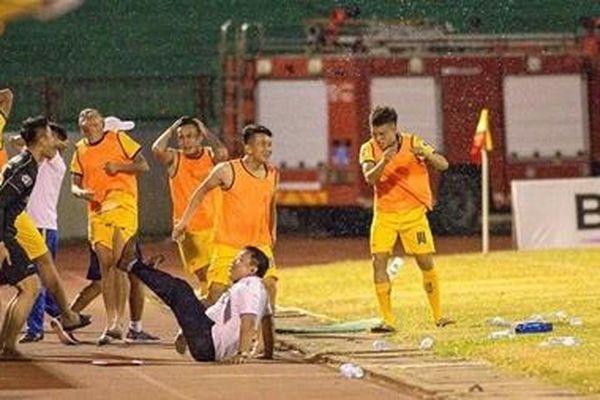 Lùm xùm tin đồn Yaya Toure tới Việt Nam và chuyện buồn về ngoại binh ở V.League