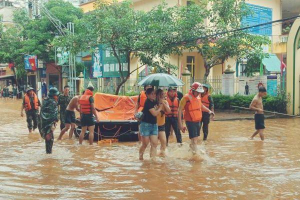 Chùm ảnh: Thành phố Hà Giang ngập ngụa trong lũ