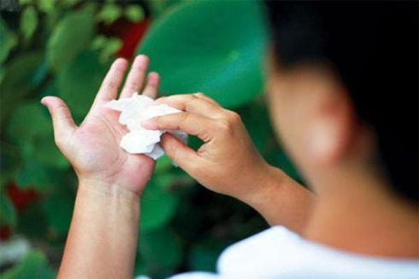 Cách ngăn chứng đổ mồ hôi tay