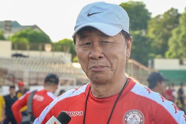 Cựu trợ lý HLV Park: 'Chắc gì tân HLV Brazil đã hay hơn ông Chung?'