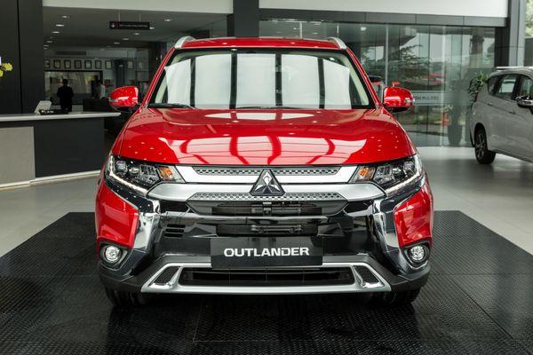 Ảnh chi tiết bản nâng cấp Mitsubishi Outlander 2020 vừa ra mắt