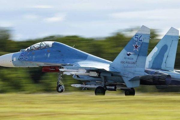 Nga điều máy bay chiến đấu đánh chặn 2 máy bay Mỹ