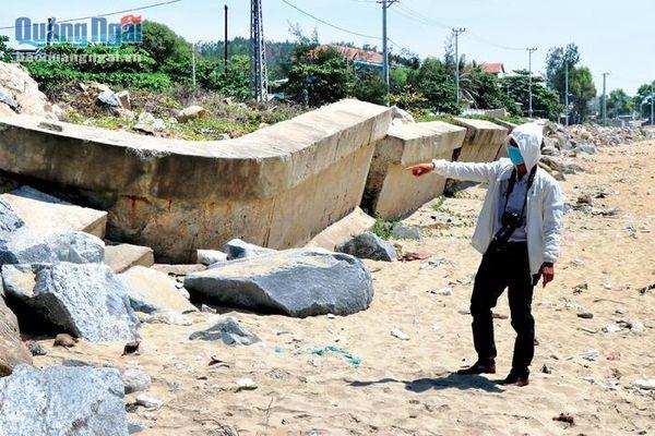 Bờ kè biển Sa Huỳnh: Sạt lở nghiêm trọng
