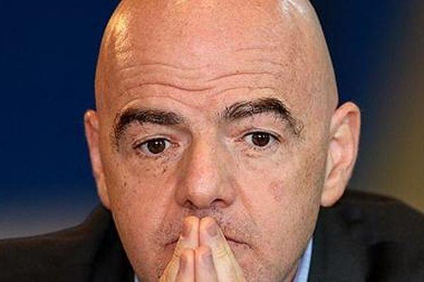 Chủ tịch FIFA bị cáo buộc câu kết tham nhũng