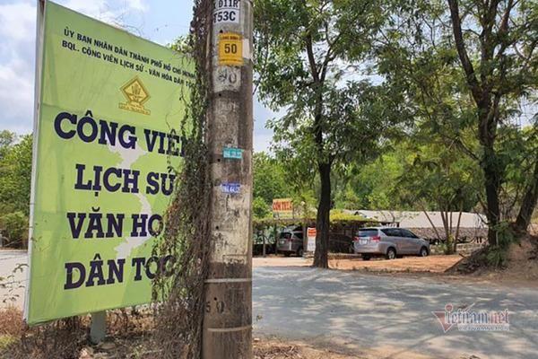 'Biến' đất công viên văn hóa thành xưởng gỗ, bãi xe container