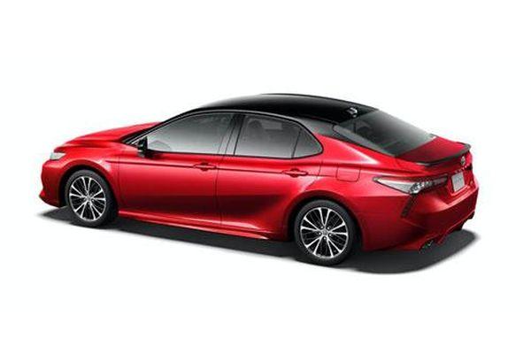 Khám phá Toyota Camry Black Edition, giá hơn 900 triệu đồng