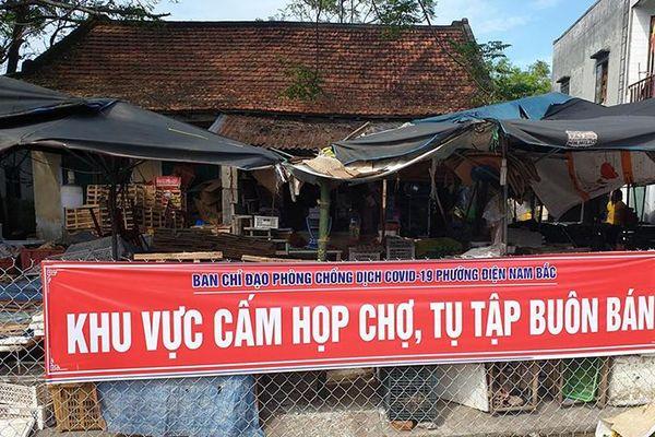 Cấm tụ tập buôn bán tại khu chợ, nơi vợ BN905 từng đến