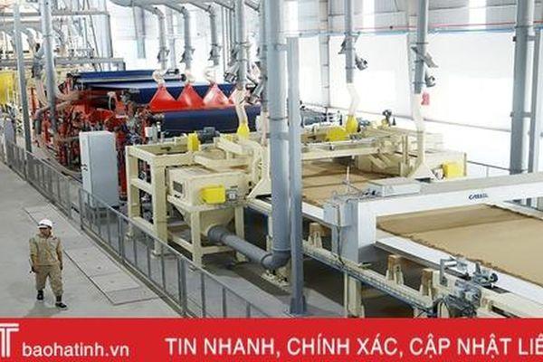 Nhà máy sản xuất gỗ lớn nhất Hà Tĩnh thu mua hơn 1.000 tấn gỗ nguyên liệu/ngày