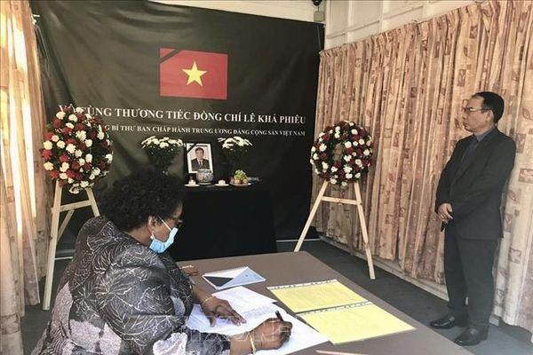 Lễ viếng nguyên Tổng Bí thư Lê Khả Phiêu tại Tanzania