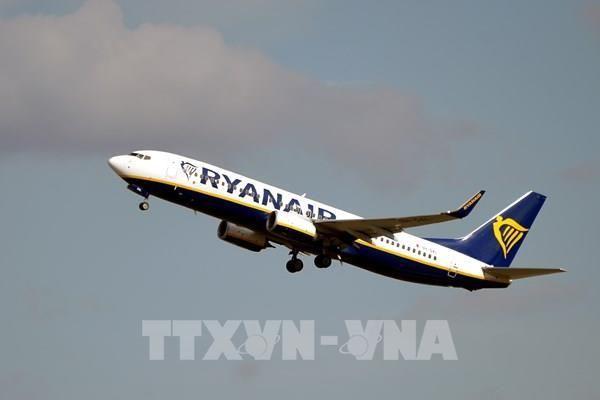 Ryanair cắt giảm 20% chuyến bay ở châu Âu do lo ngại COVID-19
